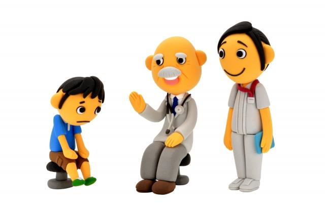 子どもと医師と看護師