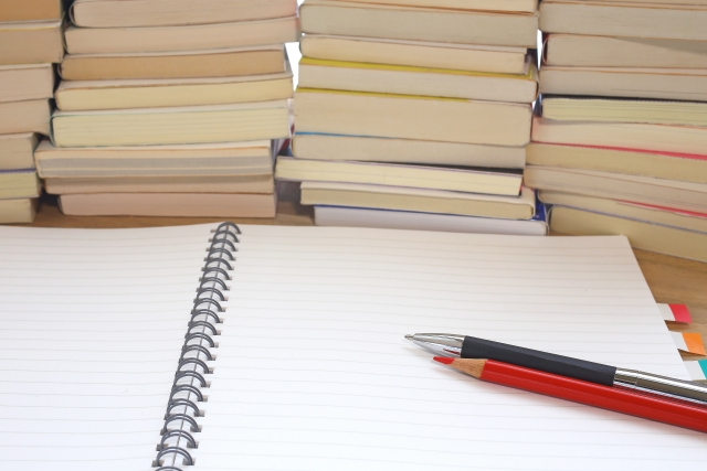 勉強中 本とノート